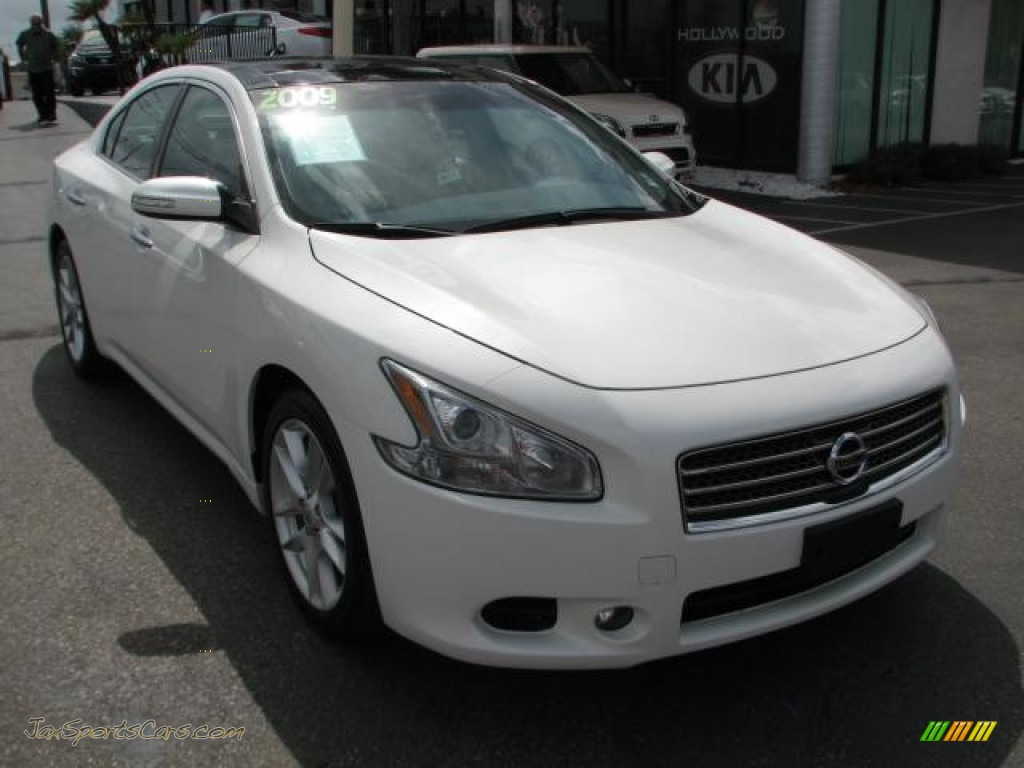 2009 nissan maxima 35 sv sport in winter frost white 809133 winter frost white caffe latte nissan maxima 35 sv sport vanachro Choice Image