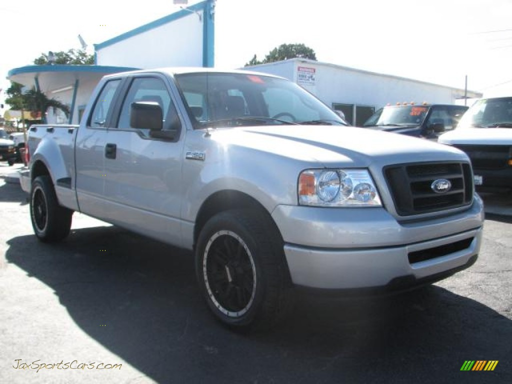 2007 ford f150 stx supercab flareside in silver metallic - c21687