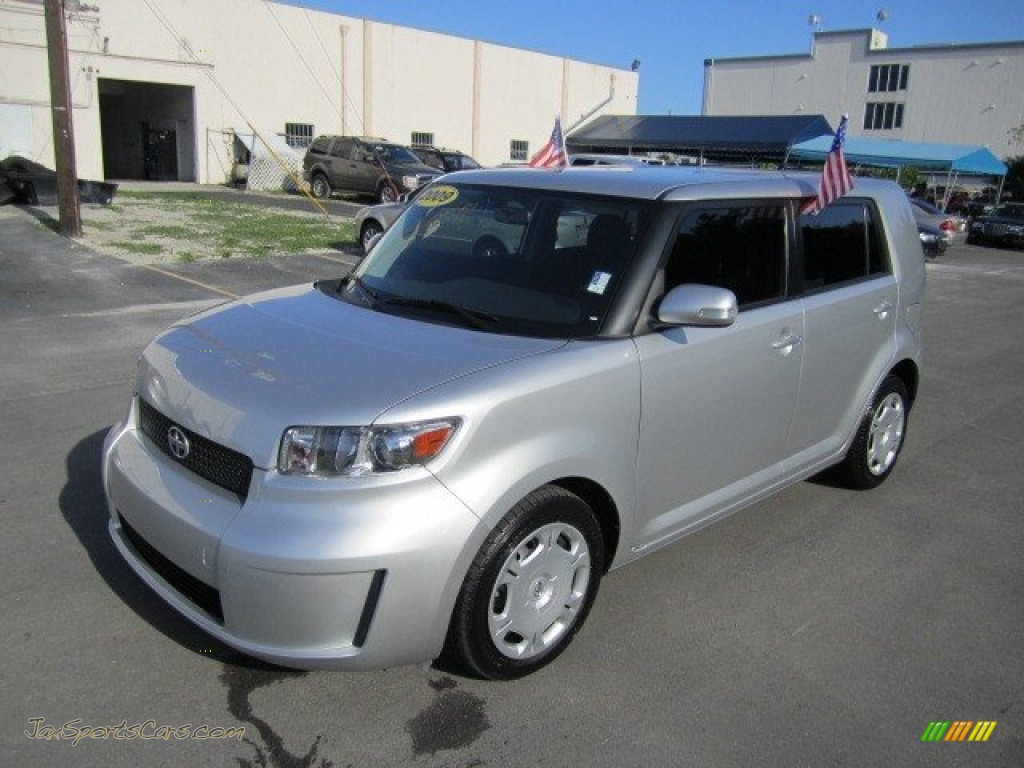 Classic Silver Metallic / Dark Gray Scion xB