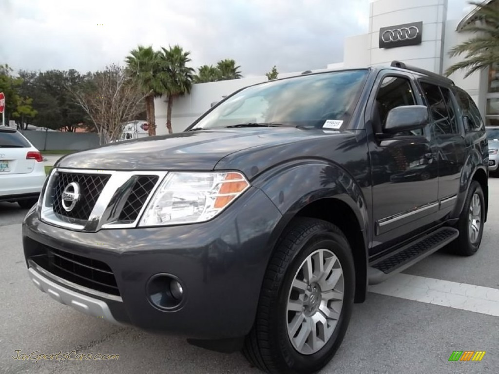2010 nissan pathfinder le in dark slate metallic photo 2. Black Bedroom Furniture Sets. Home Design Ideas