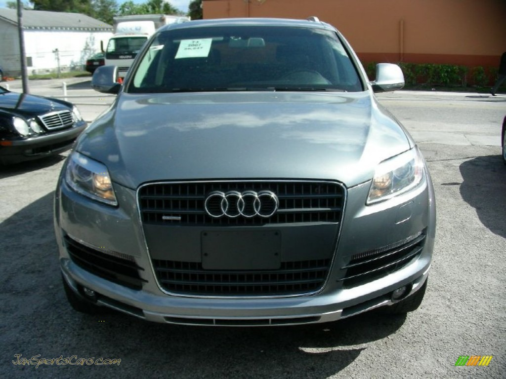 2007 Q7 4.2 quattro - Lava Gray Pearl Effect / Black photo #1