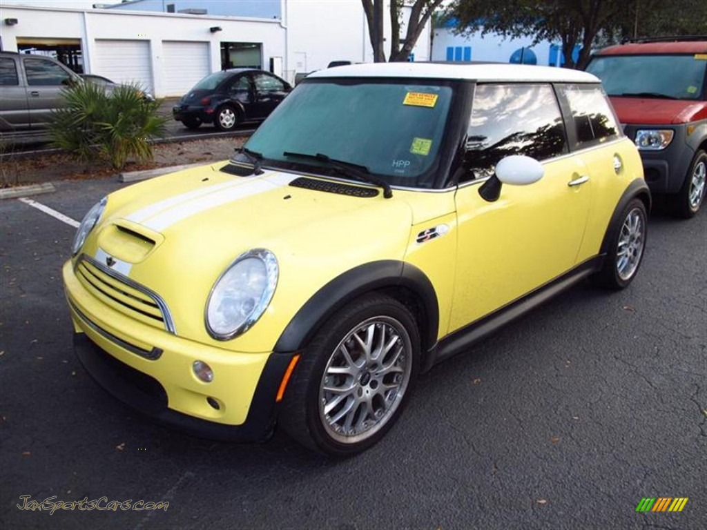2003 mini cooper s hardtop in liquid yellow photo 4 d62411 jax sports cars cars for sale. Black Bedroom Furniture Sets. Home Design Ideas