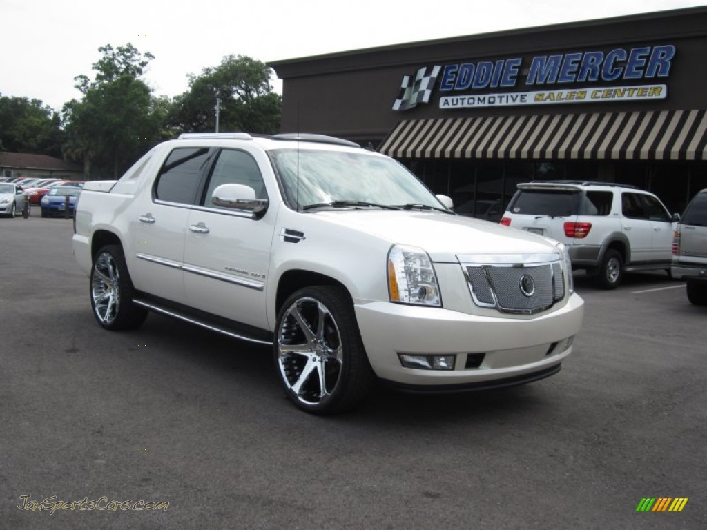2007 Cadillac Escalade Ext Awd In White Diamond Photo 24