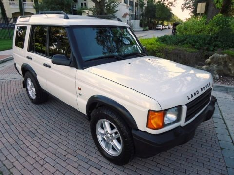 Chawton White 2002 Land Rover Discovery II Series II SD