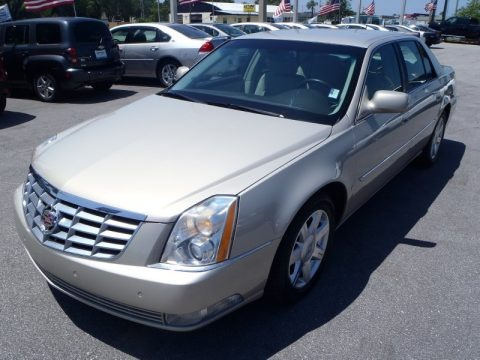 Gold Mist 2007 Cadillac DTS Luxury II