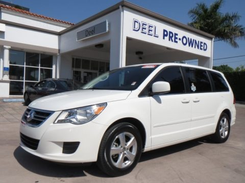 Calla Lilly White 2010 Volkswagen Routan SE