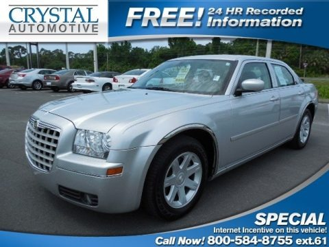 Bright Silver Metallic 2005 Chrysler 300 Touring