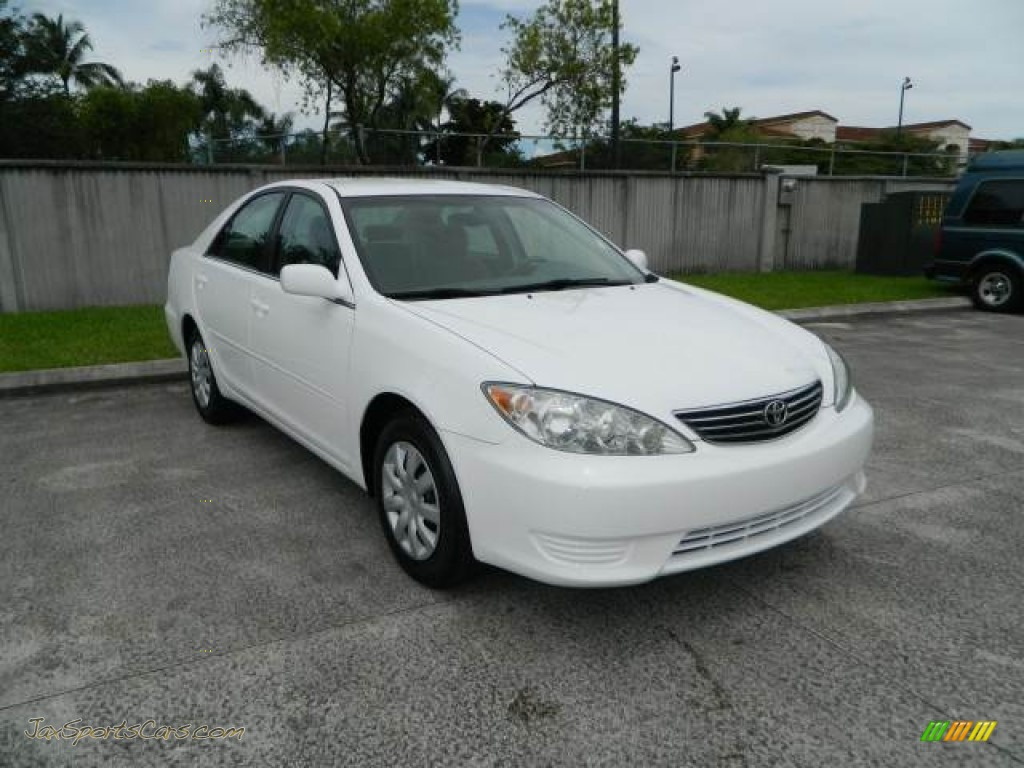 2006 toyota camry le in super white 723056 jax sports cars cars for sal. Black Bedroom Furniture Sets. Home Design Ideas