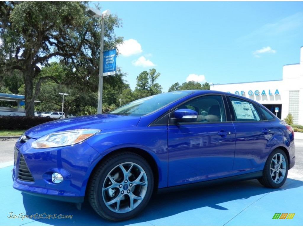 2014 ford focus se sedan in performance blue 104401 jax sports cars cars for sale in florida. Black Bedroom Furniture Sets. Home Design Ideas