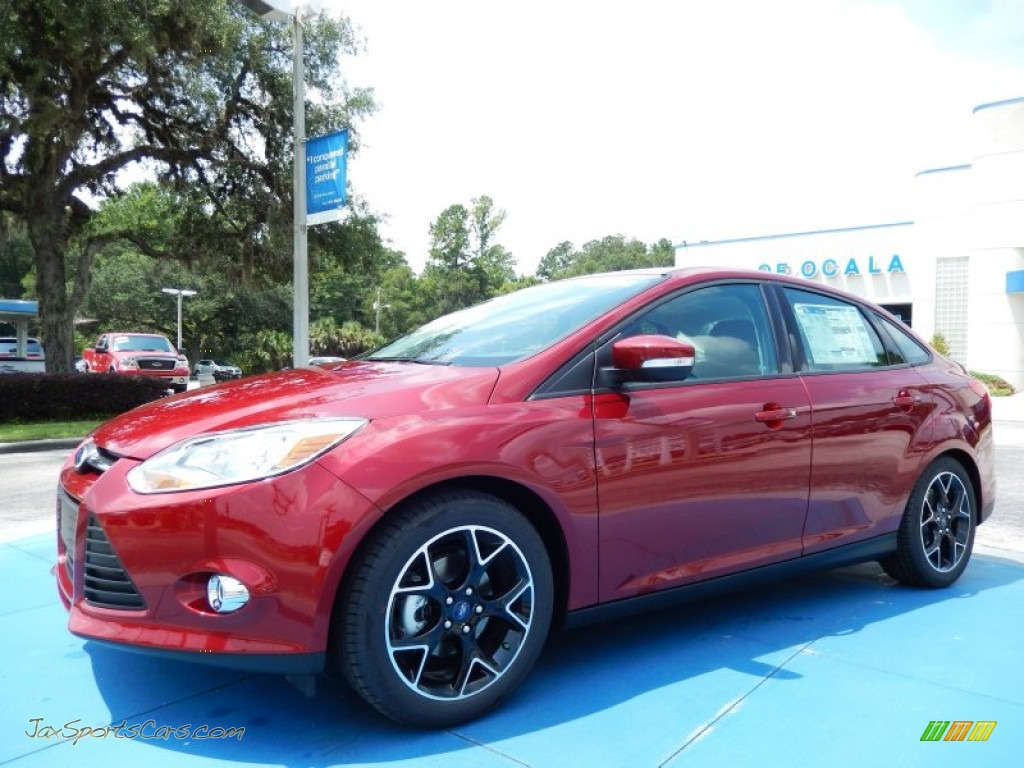 ford focus used 2014 se sedan red 5129074361jpg 300x225 2014