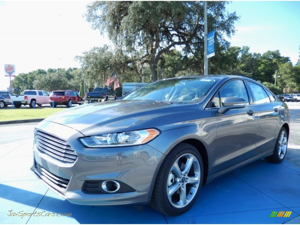 2014 Ford Fusion Gray 200 Interior And Exterior Images