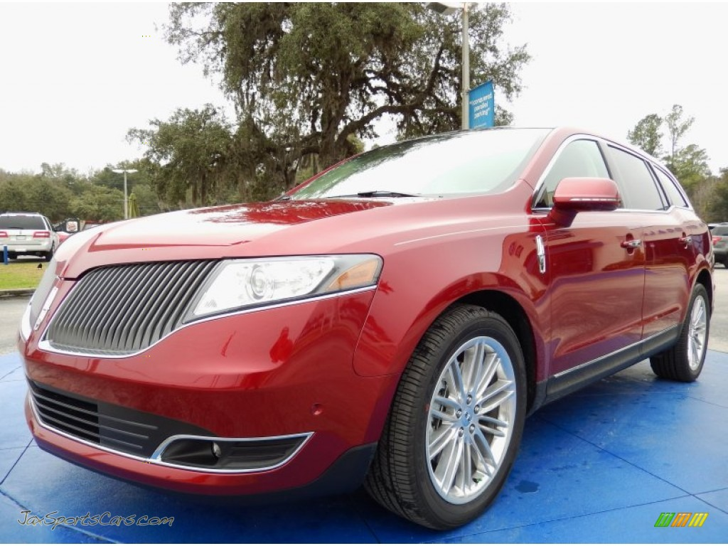 2014 lincoln mkt ecoboost awd in ruby red photo 10. Black Bedroom Furniture Sets. Home Design Ideas